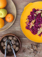 Farbenprächtiger Rotkohlsalat