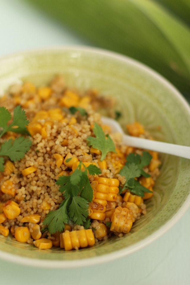 Feine Hirse mit Maisgemüse und warum Reis überbewertet wird