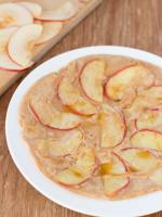 Kokosmehl und Apfelpfannkuchen