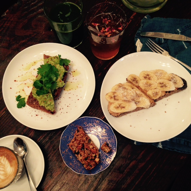 Nourish Kitchen Table Greenvich