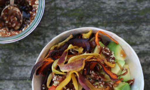 Tamari-Lunchbowl - und über Mochireis und Avocadoöl